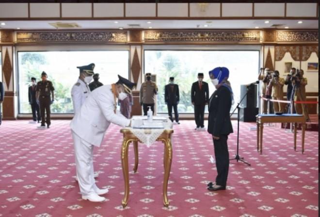 Pj. Gubernur Melantik Bupati dan Wakil Bupati Bungo, Foto: Biro Adpim