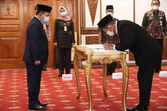 Lantik Komisaris dan Direktur, Gubernur Minta PT. JII Kompetitif dan Profitable
